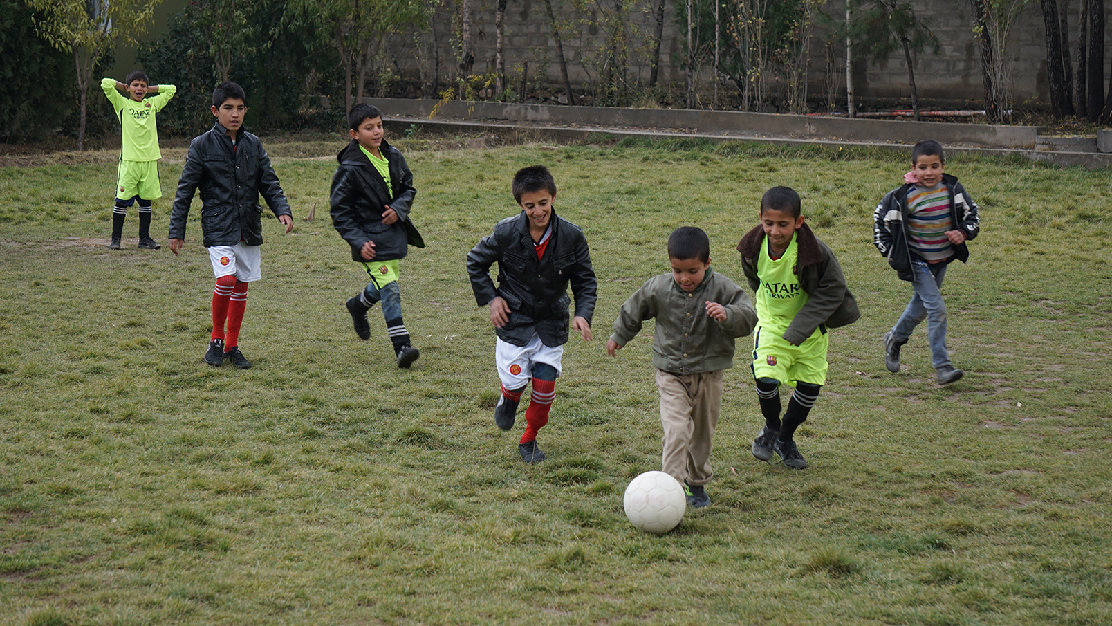 Conflictfood_PaiwandENoor_football2