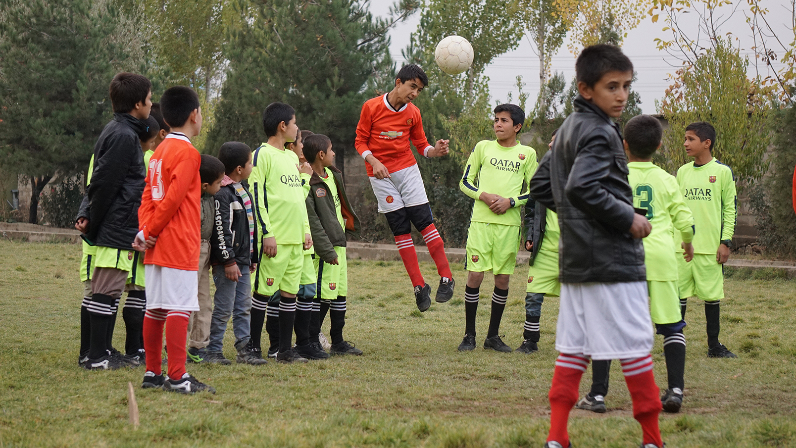 Conflictfood_PaiwandENoor_football3